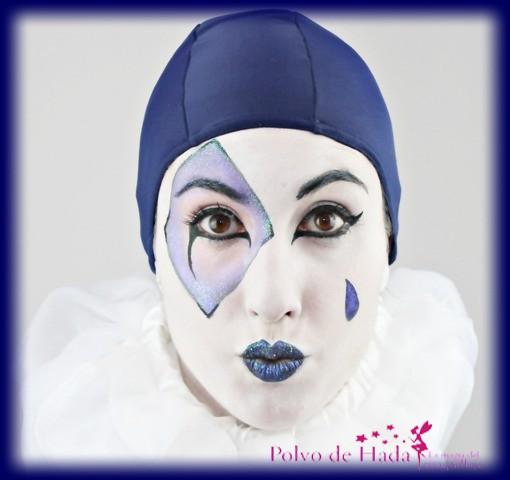 revelada-v-bordes-azules